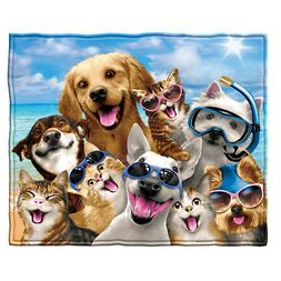 Dawhud Direct Dogs and Cats Beach Party Selfie Super Soft Fl