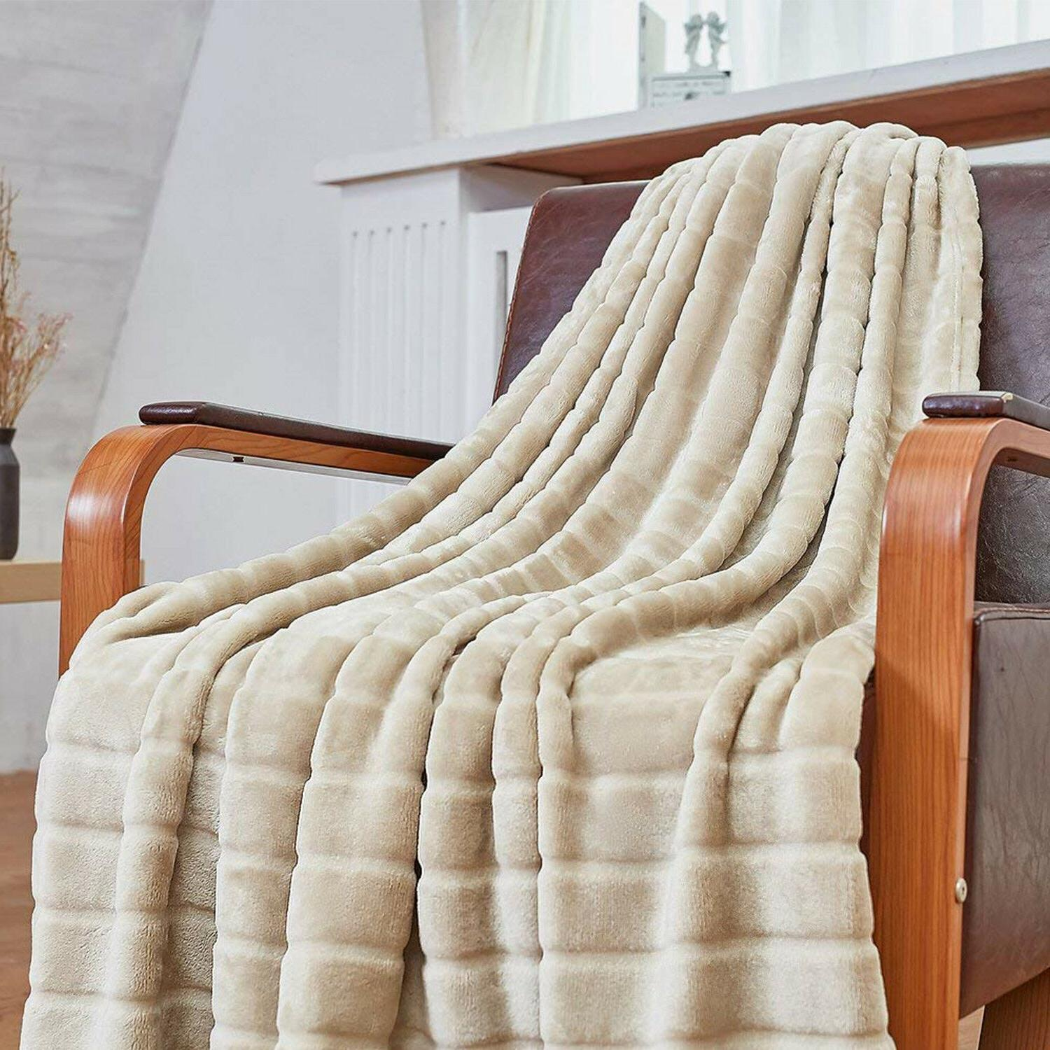 Ultra Velvet Plush Super Soft Fleece Throw Blanket Twin Size