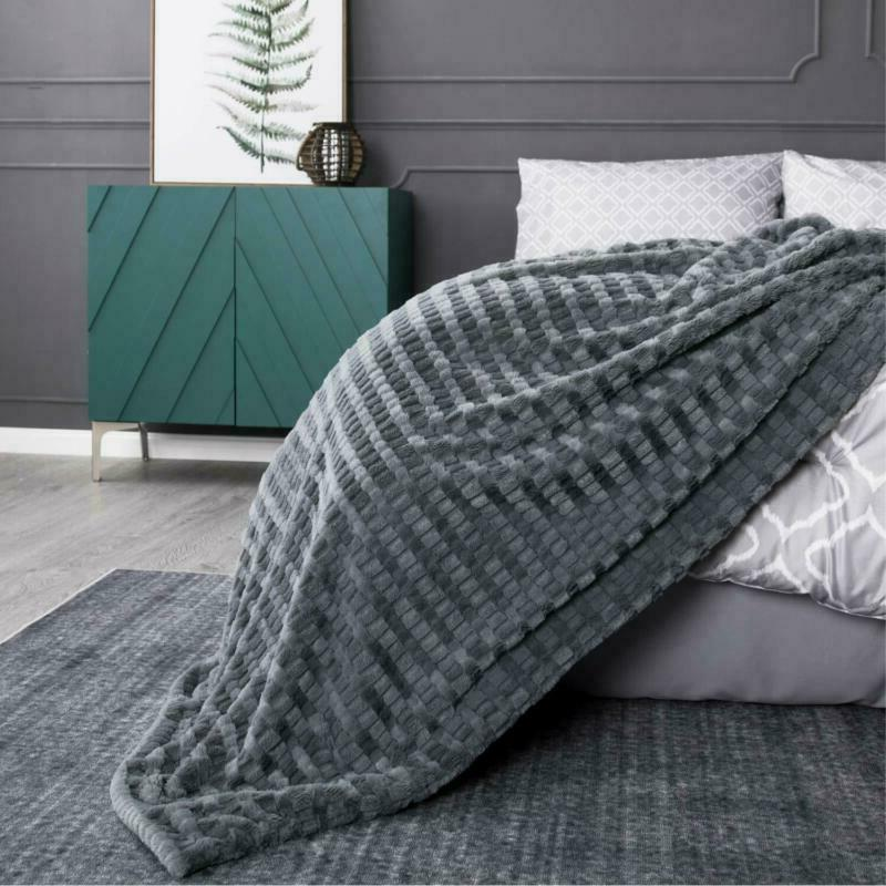 "Bedsure Faux Fur Throw Blanket Fleece Throw 50""x60"" Solid Soft"