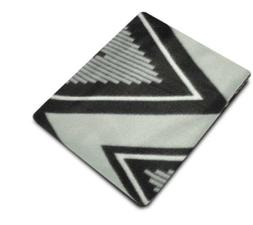 MAINSTAY Fleece Throw 50in X 60in Black & White Zig Zag Desi