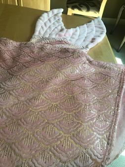 NWT PILLOW FORT PINK FLEECE GOLD MERMAID TAIL BLANKET